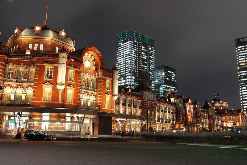 已有百年歷史的東京車站。(維基百科)