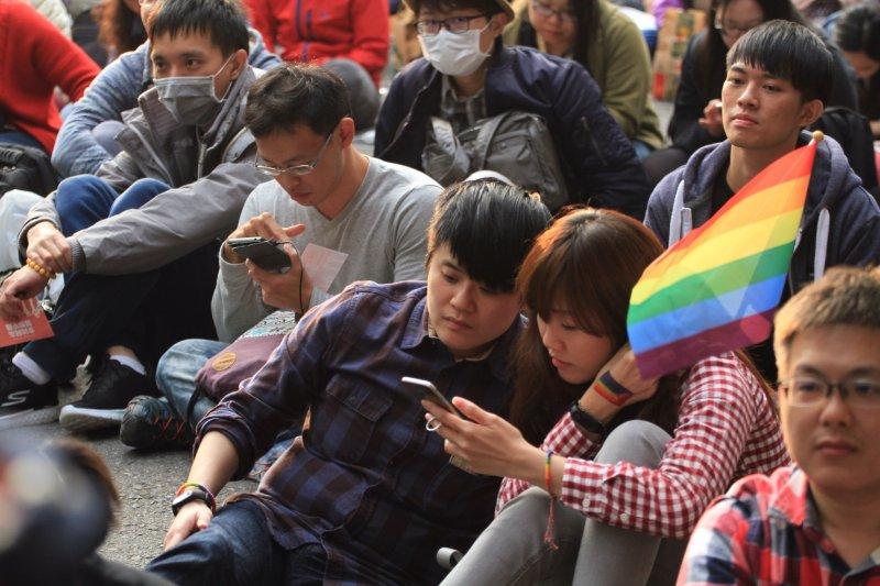20161128挺婚姻平權立法院集合。