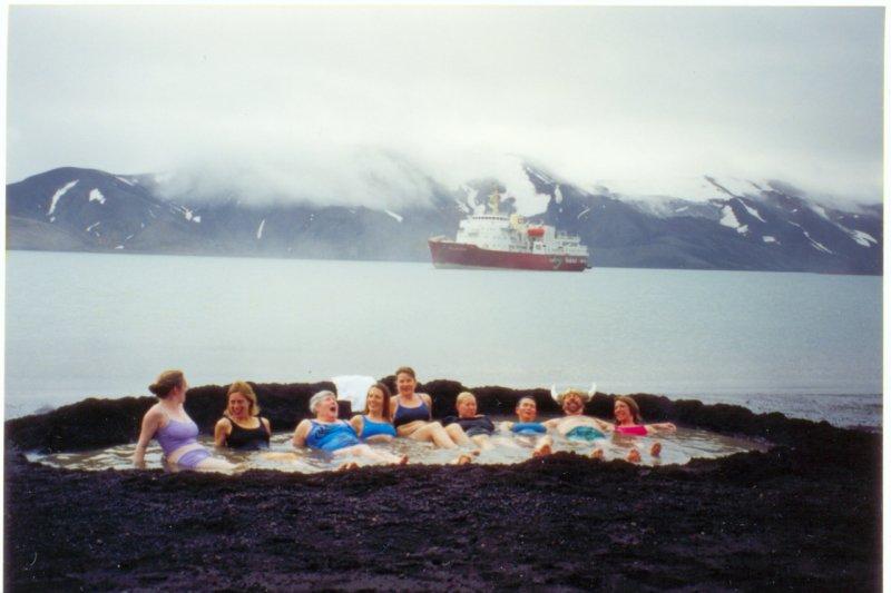 在南極也可以泡溫泉(圖/Wikimedia Commons)