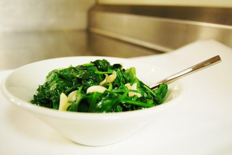 用清炒的方式,可以避免水溶性的鉀在烹調過程中流失(圖/stu_spivack@flickr)