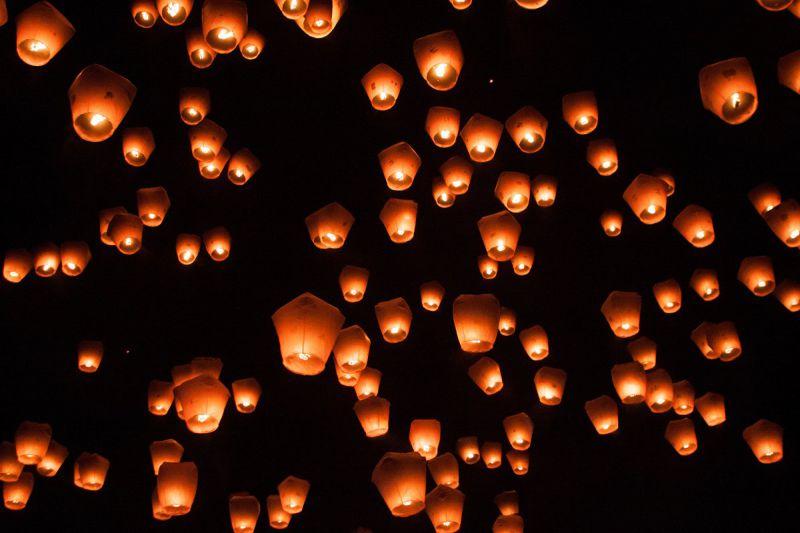 各縣市燈會在春節期間熱鬧登場,是民眾走春的好去處(圖/Flickr@Jirka Matousek)
