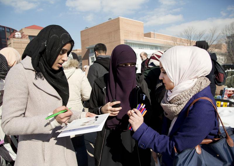 歐巴馬認為,年輕的穆斯林可能會被恐怖組織的宣傳所迷惑。(美聯社)