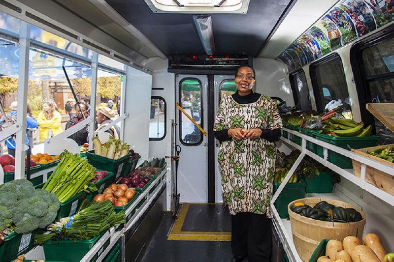 滿車都是產地直送的新鮮食材(圖/ Laura Berman)