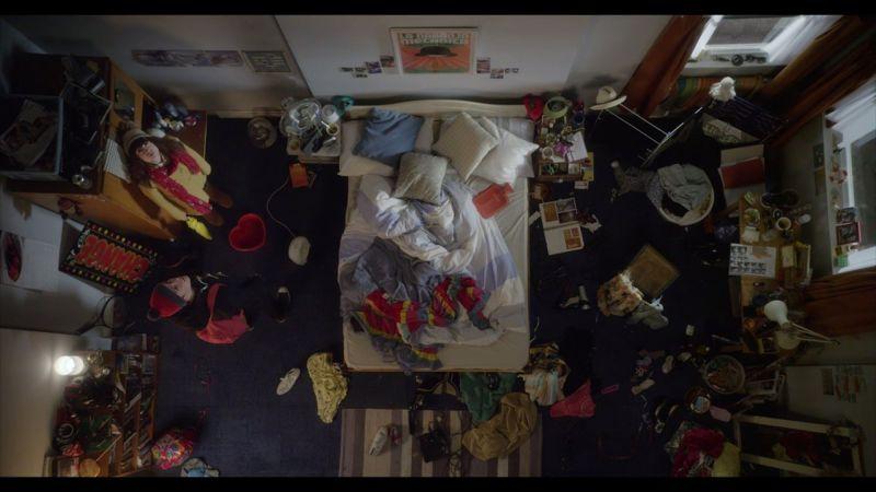 愛情遇到瓶頸時,就好像屋漏偏逢連夜雨(圖片來源/翻攝自Vimeo)