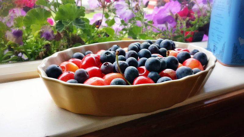 莓果類的水果富含相當多的維生素和花青素(圖/ HealthySimpleLife.com)