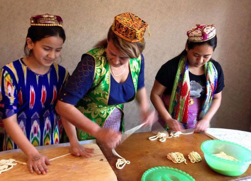 維吾爾族婦女。