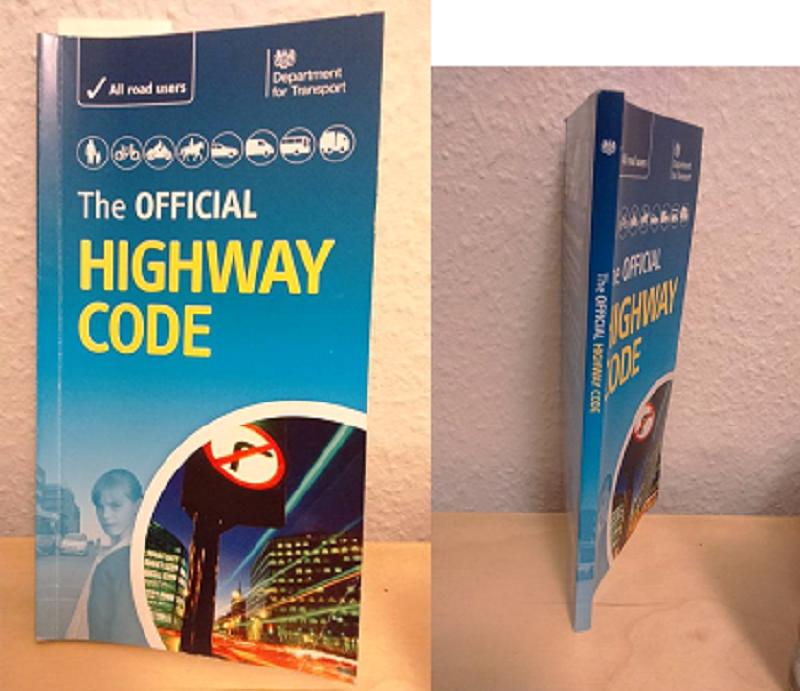 英國駕駛指南。(作者提供)