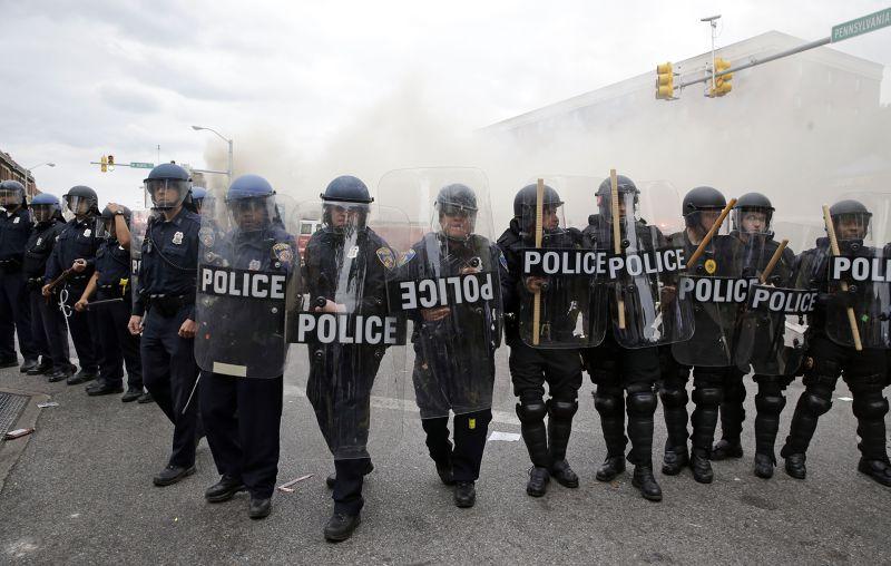 巴爾的摩27日暴動。(美聯社)