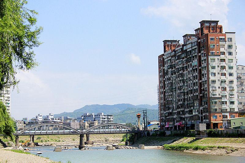 高樓大廈改變了三峽這座城市的景觀。(圖/作者)