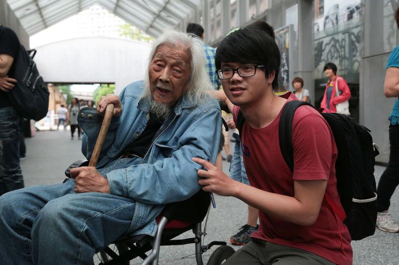 《末代叛亂犯》光點華山首映會,史明(左)與導演廖建華。(余志偉攝)
