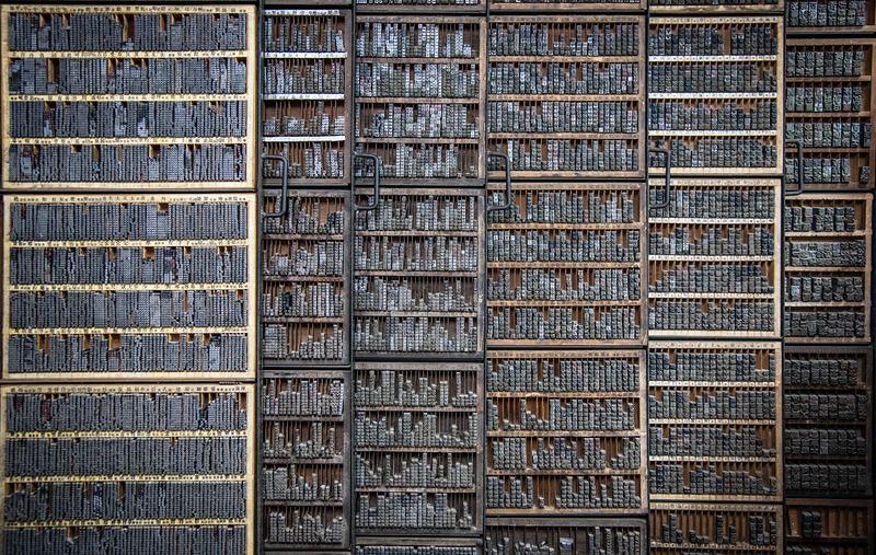 除了日星鑄字行,還難得完整保存的各號大小的鉛字,於萬華東鑫文具印刷公司。(洪滋敏攝)