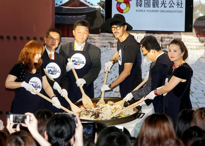 20150523台北國際觀光博覽會韓國男星車勝元、旅展。(蘇仲泓攝).jpg
