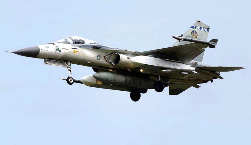2008年載掛萬劍彈的IDF經國號戰鬥機。(O8447@wikipedia CC BY 3.0)