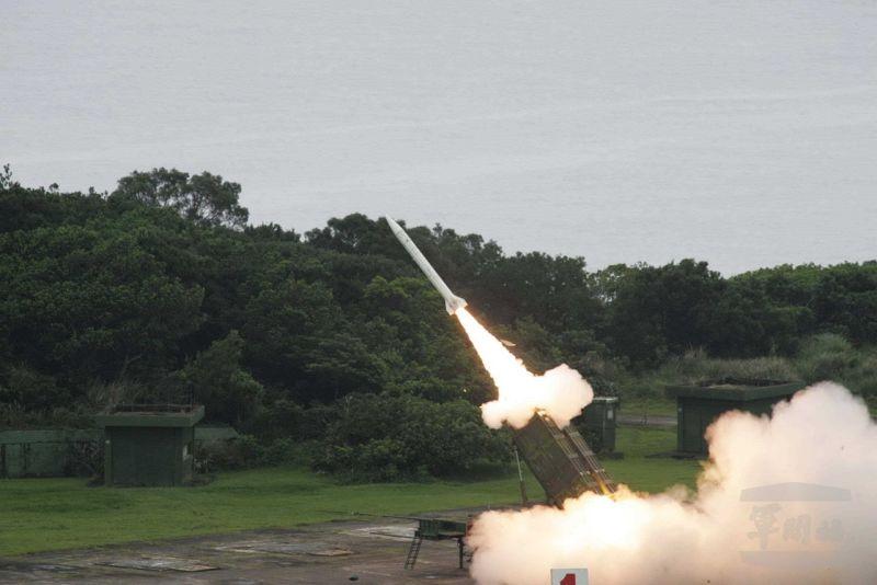 5月22日天弓二型防空飛彈射擊(國防部提供)