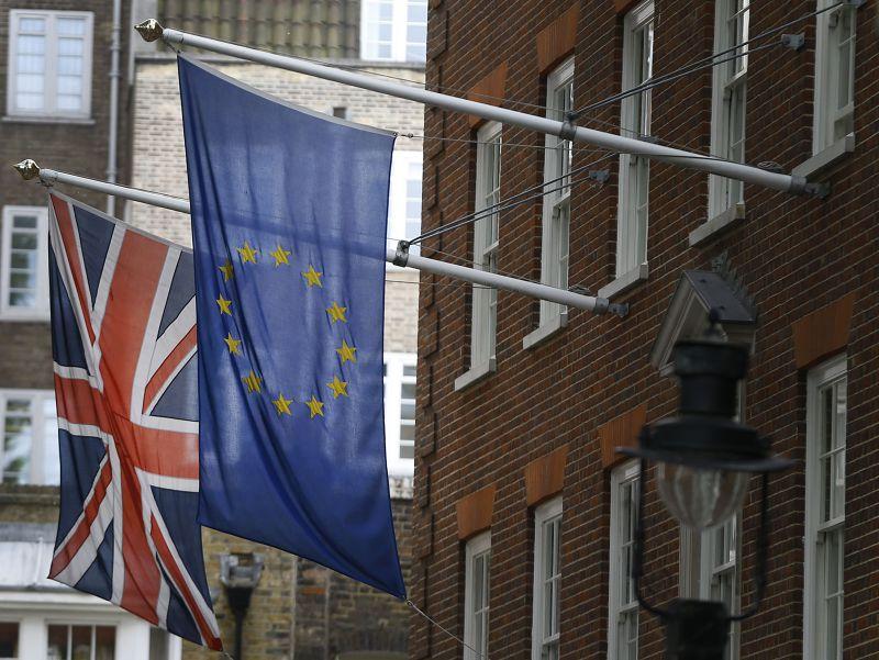 英國政府對於脫離歐盟立場引起爭議。(美聯社)