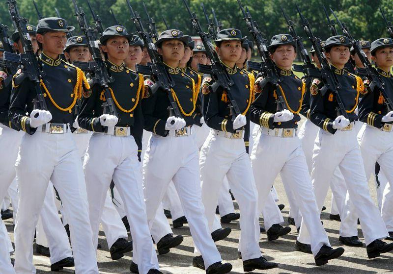 20150616-SMG0045-003-陸軍官校畢業典禮-蘇仲泓攝.jpg