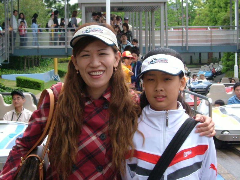 遭火紋身前的雅菁與母親的最後一張合照