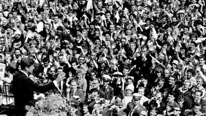 美國甘迺迪總統道柏林演說。(BBC中文網)