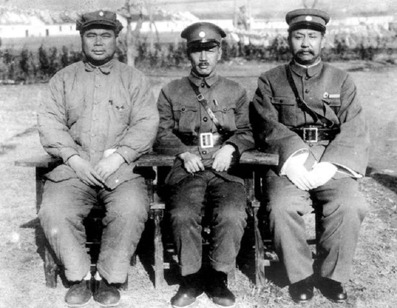 馮玉祥、蔣中正與閻錫山。攝於1929年(維基百科)