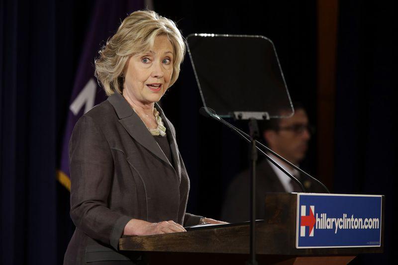 爭取美國民主黨總統提名的希拉蕊身線電郵門爭議。(美聯社)