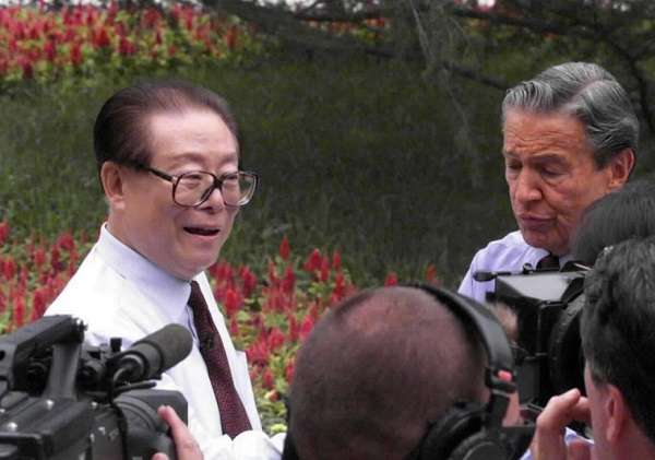參加北戴河會議的前國家主席江澤民(取自網路)
