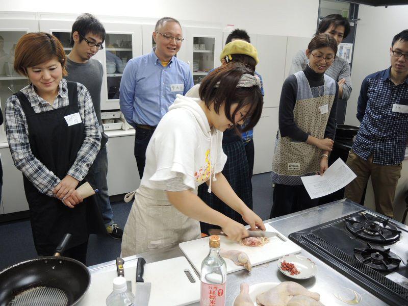 Hamu的其中一個活動就是教日本人怎麼做臺灣料理。(圖/work life in Japan)