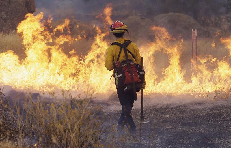 加州的森林大火。(美聯社)