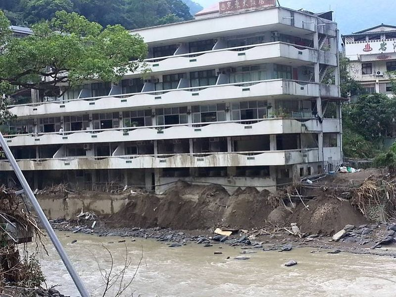 蘇迪勒颱風過後2周,新店溪上游南勢溪依然混濁,雨大即濁,在南勢溪將成為常態。(朱淑娟攝)