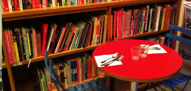 書店裡還有實驗廚房可供用餐 圖/ twentysomethinglondon.com
