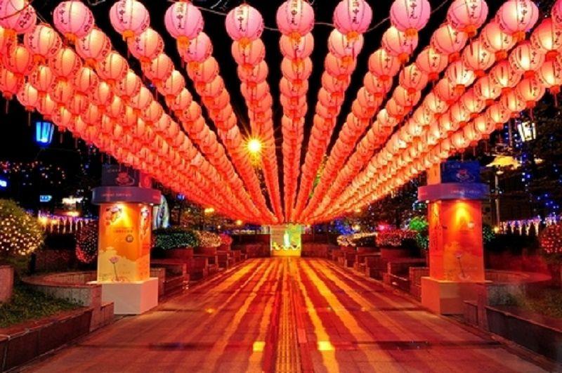 基隆普渡放水燈。(取自台灣節慶2015年)