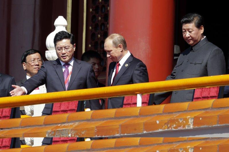 俄羅斯總統普京觀禮中國大閱兵(美聯社)