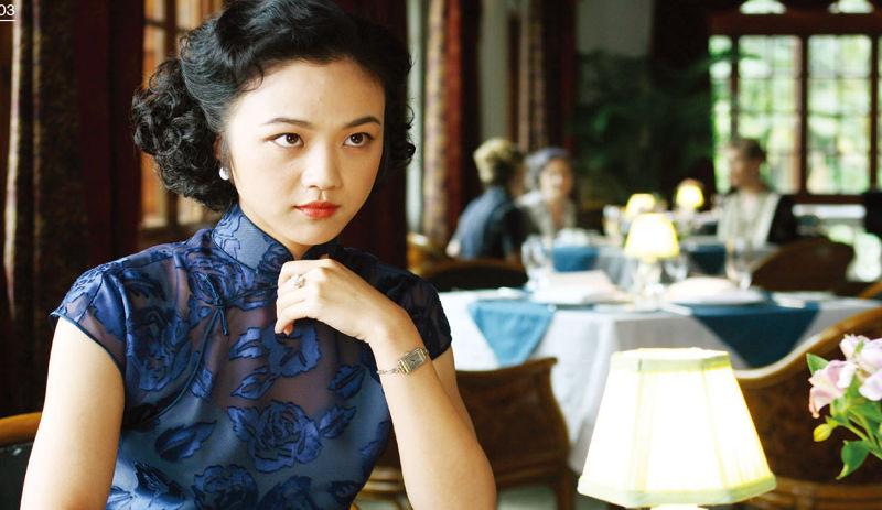 普里托表示:「我們在現代的香港和上海拍片,那些地方非常現代,要讓他們看起來像一九三0年代是很困難、複雜的事。」