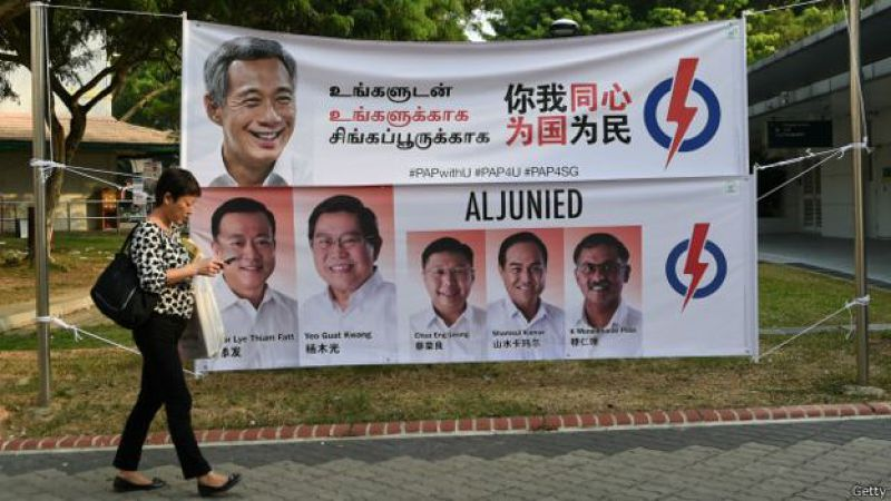 選民們對李顯龍在上次大選後作出的移民政策調整是否買賬,將成為人民行動黨整體得票率的一個重要因素。(BBC中文網)