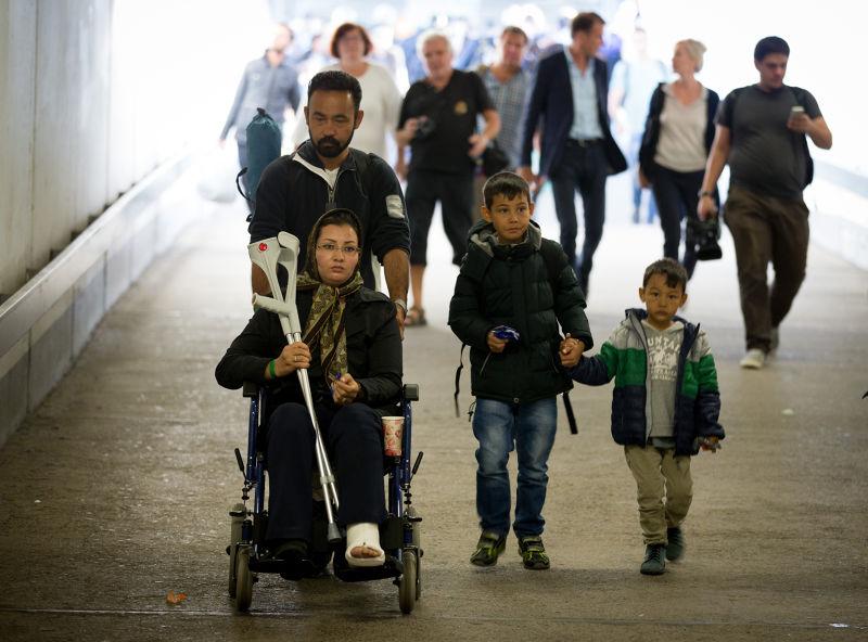 剛抵達柏林的難民(美聯社)。