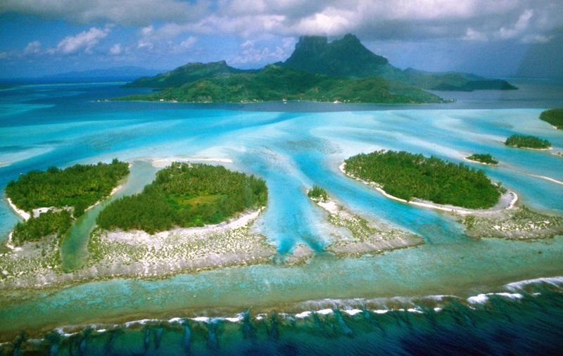 法屬玻里尼西亞像台灣一樣,美得像天堂島。(維基百科)