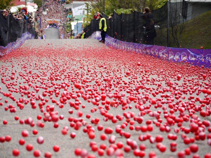 每年7月還會舉辦巧克力球比賽 圖/ DunedinNZ@flickr
