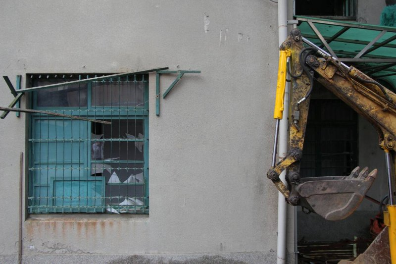 20150924-SMG0045-003-木柵廢棄建築拆除作業-葉信菉攝.jpg