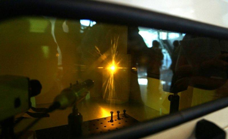 BFFS上午中科院展示國內首座自主開發3D金屬列印機台。(蘇仲泓攝).JPG