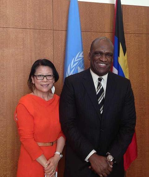這次雙雙遭到起訴的嚴雪瑞(Sheri Yan)與艾希。(取自全球可持續發展基金會官網)