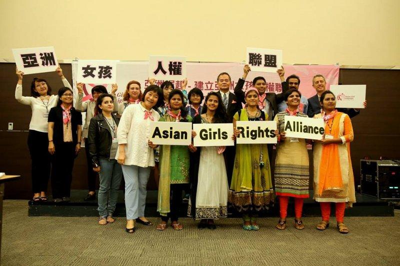 勵馨基金會致力於推動女性人權,10月更協助成立「亞洲女孩人權聯盟」。(取自勵馨基金會臉書)