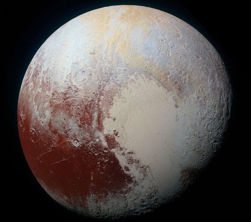 冥王星的藍色天幕、紅色水冰(NASA)
