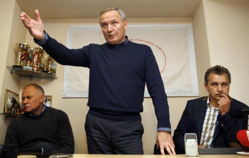 白俄羅斯反對黨在投票後召開記者會(取自美聯社)