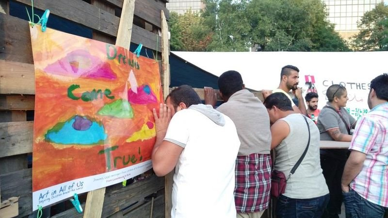 公園難民營的海報,是大家共同願望--夢想成真 (作者提供)