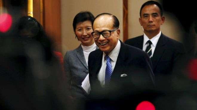 「別讓李嘉誠跑了」, 讓連續15年蟬聯華人首富的香港首富「不寒而慄,深感遺憾」,陷入困惑。(BBC中文網)