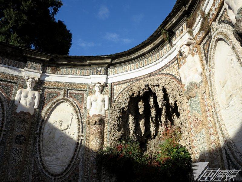 艾斯特別邸庭園裡的一隅,深具古典氣息