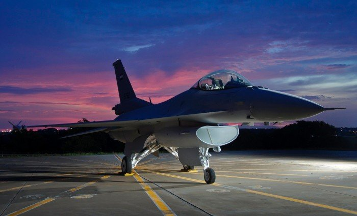 20151022-SMG0045-002-F-16V(Lockheed Martin官網).jpg