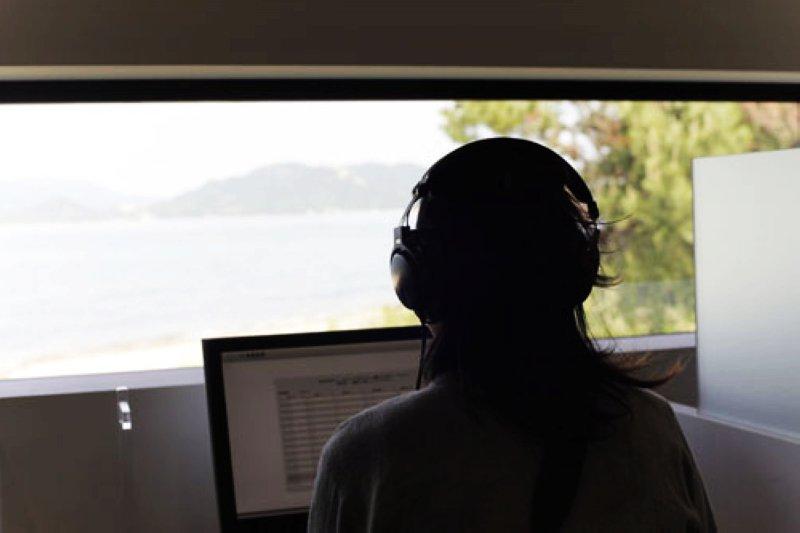 將心跳聲轉成音軌檔案,經過錄音保存 圖/ http://www.benesse-artsite.jp/boltanski/store.html