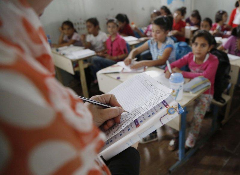 伊拉克卡爾戈斯克(Kawergosk)難民營的教師逐漸流失。(美聯社)