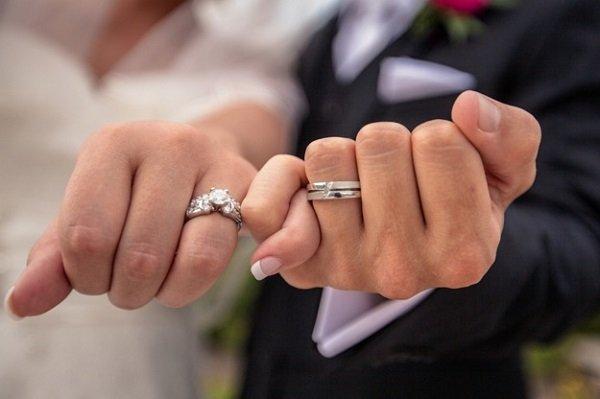 婚禮是人生中的一件大事,來看看瑞典人的婚姻文化吧!(圖/Parekh Cards@flickr)