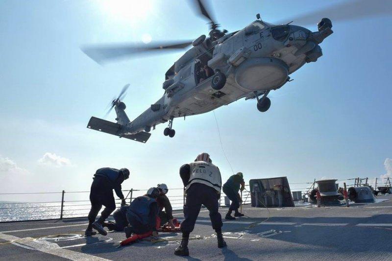美國不畏中國警告,繼續於南海進行演練。(取自USS Lassen臉書)